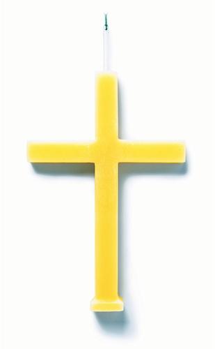 Oscar Diaz, Tuweis, candle-crucifix