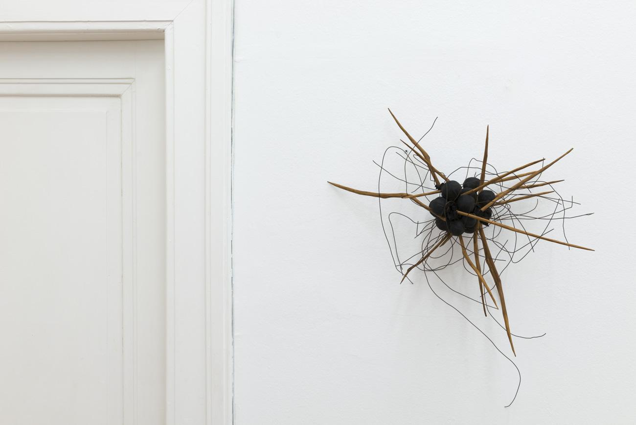 Ilija Šoškić - S. T., 1963/1966 Object (wood, iron wire, canvas), Variable dimensions Courtesy Archivio Šoškić and Gandy gallery