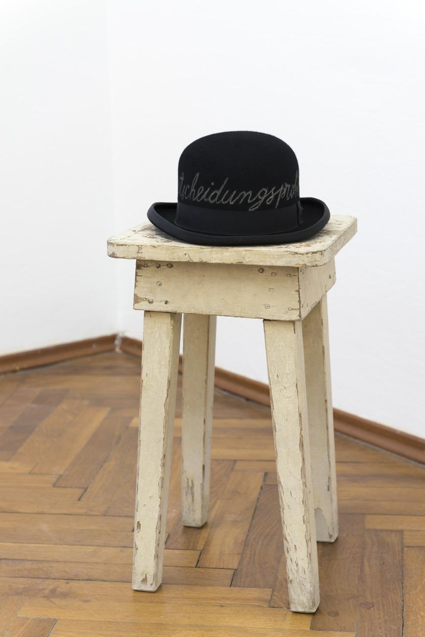 Ilija Šoškić - Entscheidungsproblem, 1997 Object, 30 x 25 x 13 cm Courtesy Archivio Šoškić and Gandy gallery